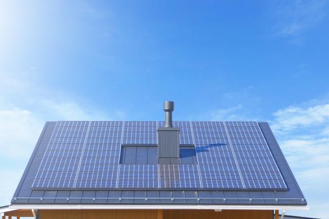 写真AC 太陽光発電・家の屋根ソーラーパネル2