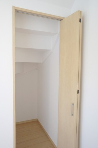 写真AC 階段下収納
