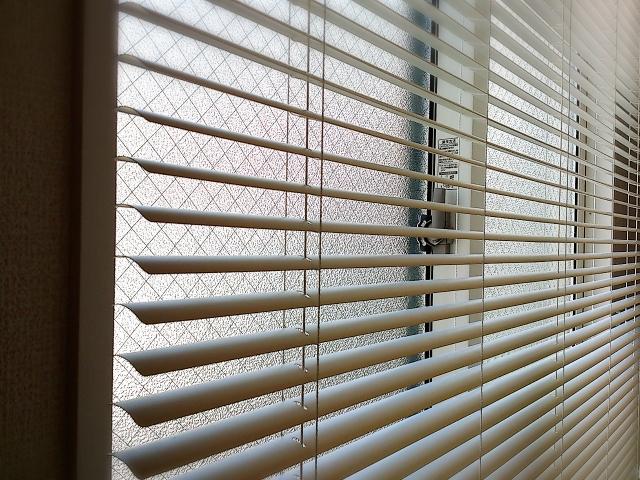 写真Ac ブラインドと窓
