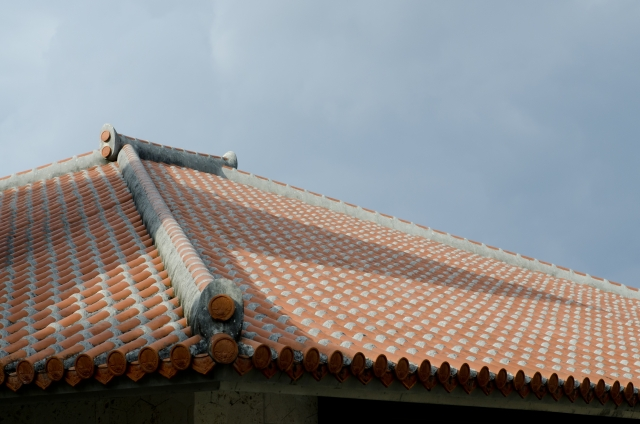 9691b5591d61d045dcdc67c8d6caa27c_s(photoAC:琉球瓦 沖縄の屋根)