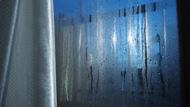 写真AC 窓の結露 冬の窓 リフォーム 山梨