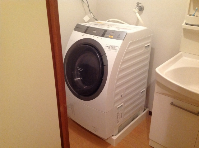 写真AC ドラム式洗濯機 洗面所 コンセント 換気