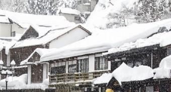 雪 日本家屋 (ぱくたそより)