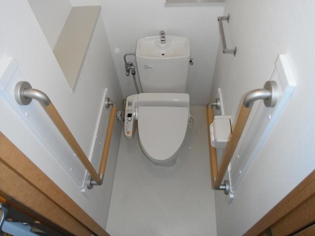 写真AC バリアフリー トイレ 手摺 室内リフォーム