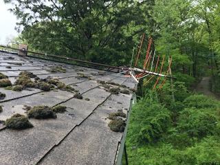 屋根 アンテナ倒壊