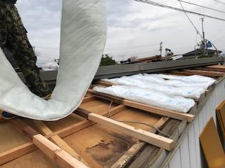 屋根葺き替え 断熱材