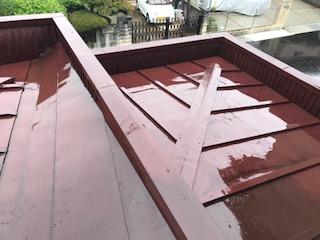 玄関 雨漏れ 屋根