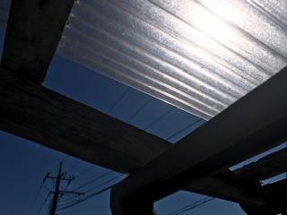ポリカ屋根 台風 補修