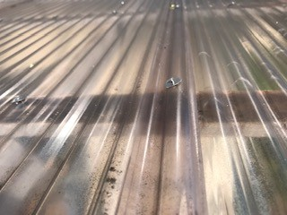 ポリカ屋根 補修