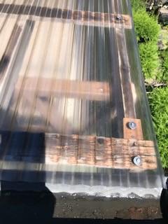 ポリカ 屋根 台風 補修