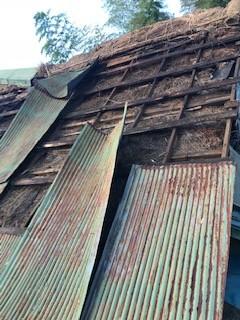 トタン屋根 台風