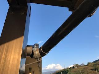 バルコニー屋根 雨樋