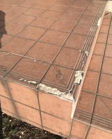 玄関タイル リフォーム