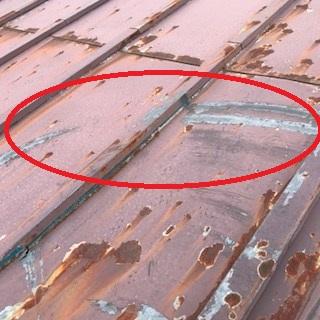 屋根 傷跡
