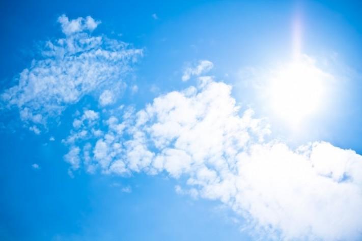 (ぱくたそ) 晴天 晴 日差し 太陽
