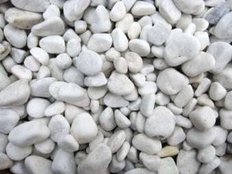 写真AC 白い玉砂利