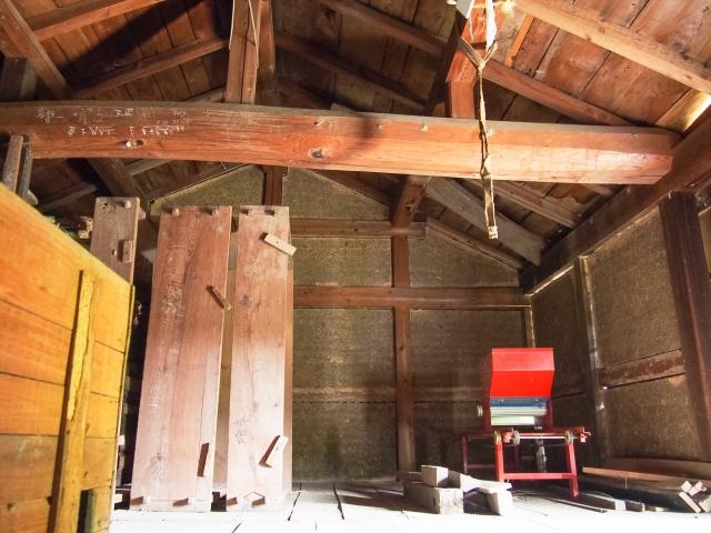 写真AC 屋根裏部屋